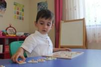 (Özel) 3 Buçuk Yaşındaki Otizmli Mehmet Akif İlk Kez 'Anne-Baba' Dedi