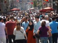 TAKSIM MEYDANı - (Özel) Taksim'de Bayram Yoğunluğu