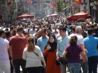 TAKSIM MEYDANı - Taksim'de Bayram Yoğunluğu