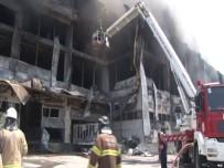 Fabrika Yangınında 4 İşçi Hayatını Kaybetti