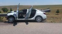 Bariyer Otomobile Ok Gibi Saplandı Açıklaması 2 Yaralı