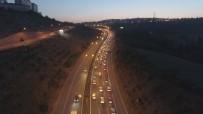 HEREKE - Kocaeli'de Dönüş Yoğunluğu Açıklaması Trafik Durma Noktasına Geldi