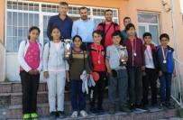 KÖY MUHTARI - Ahlatlı Öğrencilerin Masa Tenisi Başarısı