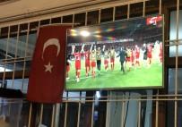 A MİLLİ TAKIMI - A Milli Futbol Takımının Fransa Galibiyeti Erzincanlıları Sevince Boğdu