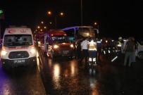 YOLCU OTOBÜSÜ - Adana'da Yolcu Otobüslerinin Karıştığı Zincirleme Kaza Açıklaması 20 Yaralı