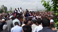 Beşiktaş'taki Kazada Hayatını Kaybedenler Toprağa Verildi