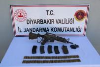 Diyarbakır'da Biri Gri Kategoride Aranan İki Terörist Etkisiz Hale Getirildi