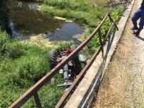 Dursunbey'de Traktör Köprüden Uçtu Açıklaması 1 Ölü