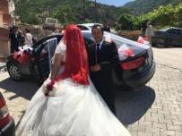 Evlenen Çiftlerin Düğün Arabası Belediyeden