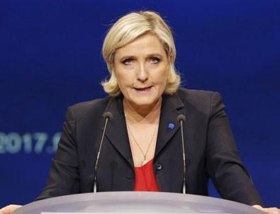 Le Pen'den Konya'da 'milli marş' tepkisi