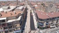 Lale Caddesinde Sıcak Asfalt Serimi Başladı
