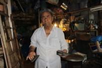80 Yaşındaki Demir Ustası Makinelere Yenik Düştü