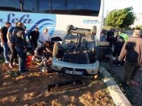 Yolcu Otobüsü İle Otomobil Çarpıştı Açıklaması 3 Yaralı