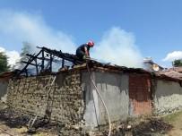 Amasya'da Samanlık Yangını Açıklaması 10 Ton Saman Kül Oldu