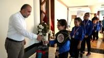 Başkan Sandıkçı'dan Muaythai Sporcularına Ödül