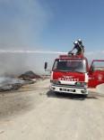 Burhaniye'de Çöplük Alanda Yangın Çıktı