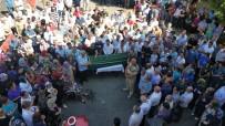 MEHMET KıLıNÇ - Görev Yaptığı Hastaneye Giderken Düşerek Hayatını Kaybeden Sağlıkçı İçin Tören Düzenlendi
