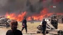 GÜNCELLEME - Manisa'da Palet Fabrikasında Yangın