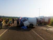 Manisa'da Otobüs Ve Minibüs Çarpıştı Açıklaması 6 Ölü, 8 Yaralı