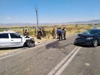 Otomobiller Kafa Kafaya Çarpıştı Açıklaması 7 Yaralı