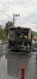 (Özel) Beykoz'da Belediye Otobüsünün Alevlere Teslim Olduğu Anlar Kamerada