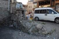 KADINLAR PAZARI - Trabzon'da 720 Yıllık Tarihi Kale Surları Tescillendi