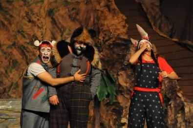 Akşehir'de Çocuklar Tiyatroya Doydu