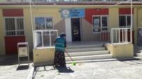 Boğazlıyan'da Hükümlüler Okulları Yeniliyor