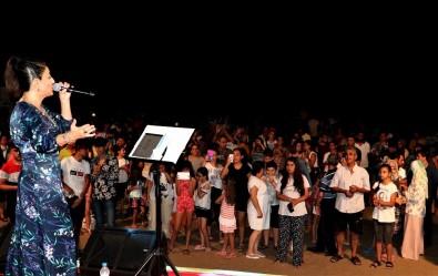 Dalga sesleri eşliğinde yaz konserleri