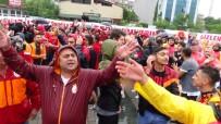 Mustafa Cengiz - Galatasaray Taraftarı Kritik Dava Öncesi Adliyeye Akın Etti