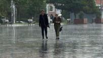 İstanbul'da Şiddetli Yağış Akşam Saatlerinde Etkisini Kaybedecek