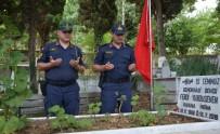 19 MAYıS - Komutanlar 15 Temmuz Şehidini Mezarının Başında Ziyaret Ettiler