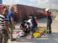 KAKLıK - Kontrolden Çıkan Tır Taksiye Çarptı Açıklaması 5 Yaralı