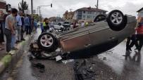 Sakarya'da İki Otomobil Çarpıştı Açıklaması 2'Si Çocuk 7 Yaralı