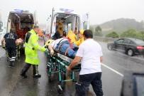 Tem Otoyolu'nda Şiddetli Yağış Kazayı Getirdi Açıklaması 3 Yaralı