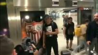SEVILLA - Fernando imzayı atmak için Sevilla'da