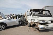 Ayvalık'ta Kaza Açıklaması 4 Yaralı