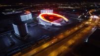 Erzurum Şehir Hastanesi'nin Işıkları 15 Temmuz Şehitleri İçin Yandı