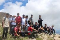 Ağrı'da 15 Temmuz Şehitleri Anısına Zirve Tırmanışı Yapıldı