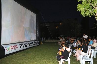 Ataşehir'de, Akşamları Yazlık Sinema Keyfi