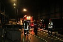 FABRIKA - Fabrikadaki Yangın Paniğe Yol Açtı