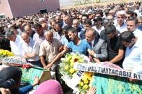 ALİCAN ÖNLÜ - PKK'nın Bombası İle Ölen 2 Çocuk Son Yolculuğuna Uğurlandı