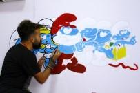 Yüksekovalı Öğretmen, Çocuklar İçin Duvarları Renklendiriyor