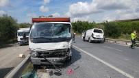 Arnavutköy'de Trafik Kazası Açıklaması 2 Yaralı