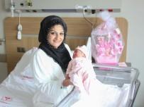 Bursa Şehir Hastanesi'nin İlk Bebeğine Hediye