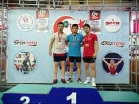 Pursaklar Belediye Sporcuları Terzi Ve Yüksel'den Altın Madalya