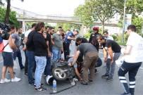 MOTOSİKLET SÜRÜCÜSÜ - Şişli'de Motosikletli Kurye Minibüse Çarptı