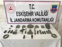 GÜZERGAH - Tarihi Eser Kaçakçıları Jandarma Tarafından Yakalandı