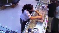 Tırnakçı Kadının, Sahte Alyansla Yaptığı Hırsızlık Kamera