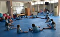 Yunusemreli Minikler Cimnastik Yapıyor